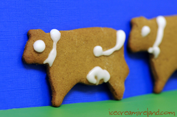 Gingerbreadcow-sm